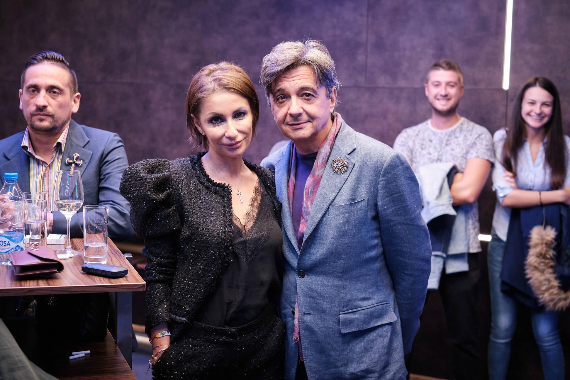 Suzani Peric na nagradi cestitao je prvi njen kolega Sasa Milojkovic foto rsz_nenad_karlic_14102019-66